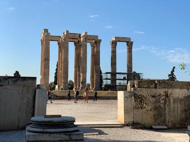アテネ観光ゼウス神殿・ハドリアヌスの門|写真と情報を事前にチェック